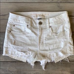 AE High-Rise Shortie white distressed shorts